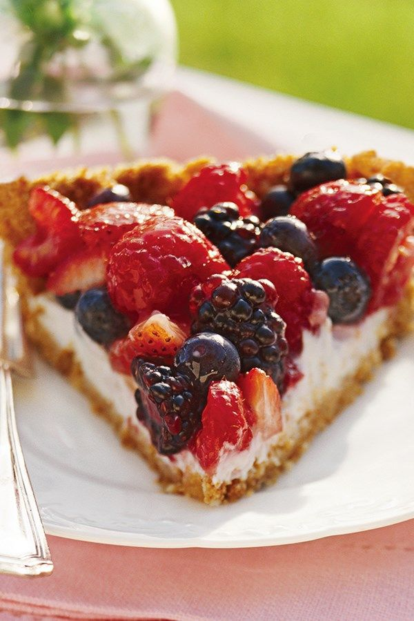 Berry Pie with Creamy Filling This healthy pie recipe is made with fresh berries, a slimmed-down zwieback crumb crust, and a tangy yogurt filling and then served with mint sprigs and a colorful low-calorie fruit glaze.