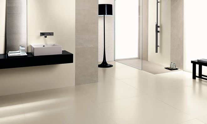 Carrelage de salle de bain faible paisseur kerlite absolute white porto venere bathroom for Ceramic carrelage