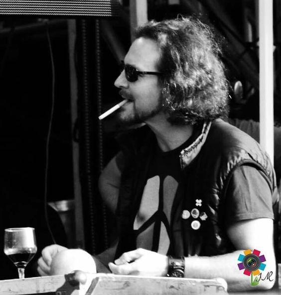 eddie vedder quit smoking
