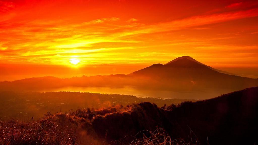 Mountain Sunset And Sunrises Mountain Sunrise Wallpaper Download