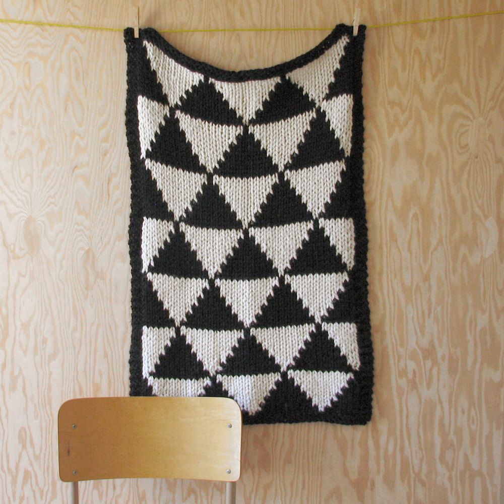 Knitted Triangle Pattern Baby Blanket for Bassinet, Stroller, or Car ...
