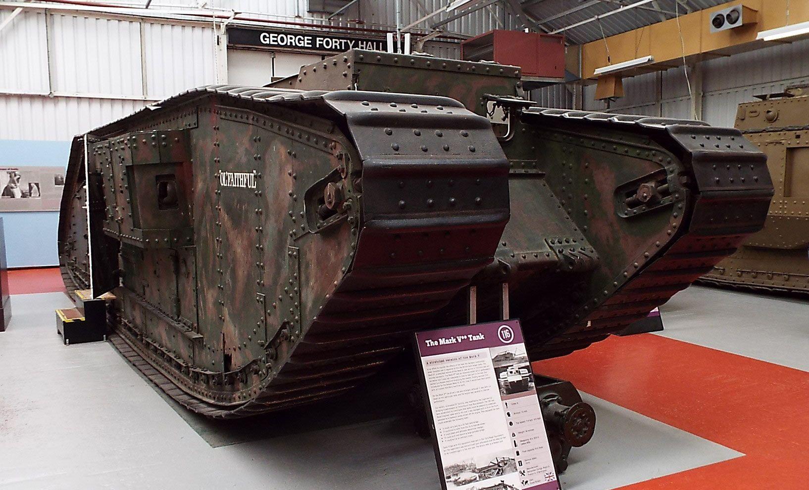 British Mark V (ampliado) Tanque 1918 Museo del tanque Bovington ...