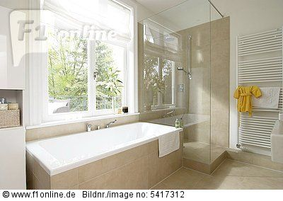 badezimmer mit dusche und badewanne 2 haus ideen. Black Bedroom Furniture Sets. Home Design Ideas
