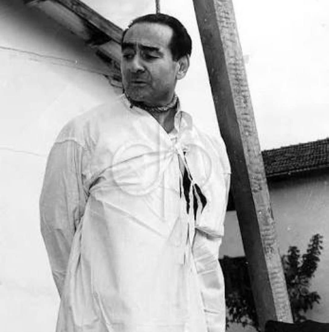 Erdoğan'ın çok sert olduğunu söyleyenler bu ülkenin en kibar Başbakanını astılar. Adnan Menderes'i ve dava arkadaşlarını rahmetle anıyoruz.  #27Mayıs . . . #turkey #ankara #istanbul #akp #dava #şehit #osmanlı #black #summer #sunset #sky #travel #rte #tree #nature #selfie #tbt #bestfriend #fitness #fit #fitnessmodel http://tipsrazzi.com/ipost/1523954811681120281/?code=BUmLNO0ACAZ