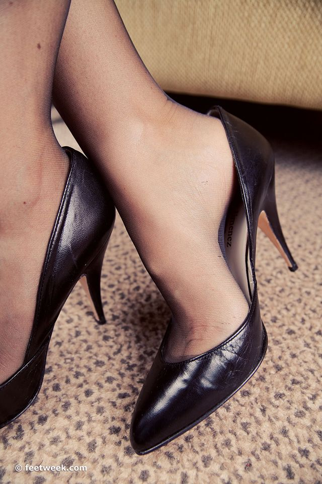 Pin On Shoe Fetish Pumps-2263