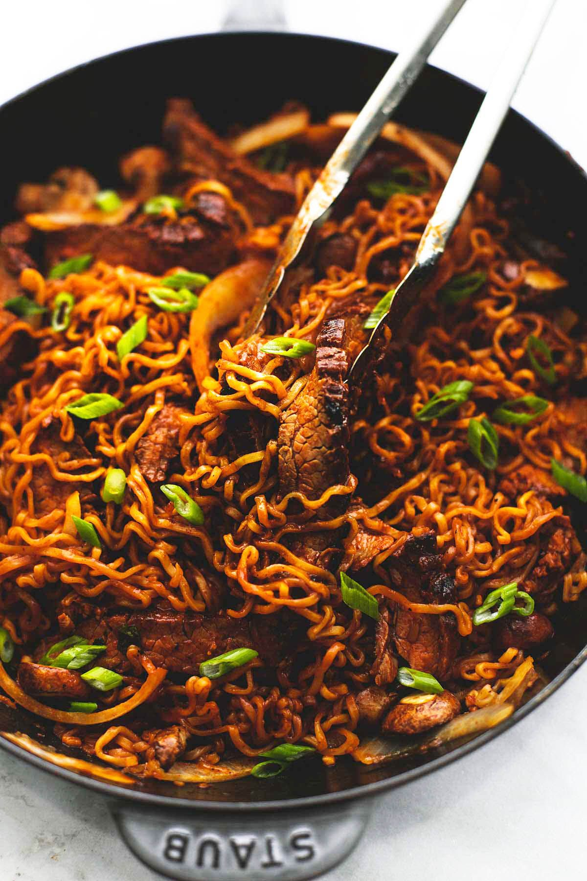 One pan spicy korean beef noodles lecremedelacrumb chinese one pan spicy korean beef noodles recipe made with a simple korean marinade and ramen noodles with onions and mushrooms ready in 30 minutes forumfinder Gallery