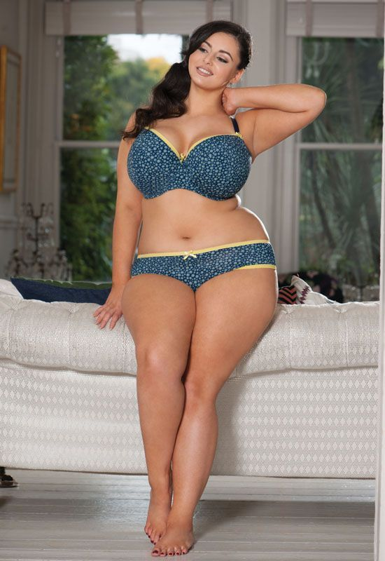 Lingerie super size woman