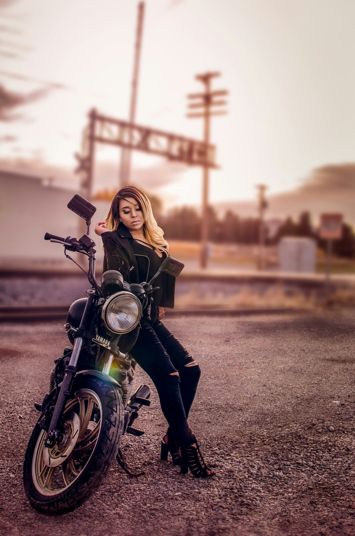 High School Senior photography pose ideas on Motorcycle #classof2017 #motorcycle #loerastudio #thebomb #beautiful #perfect