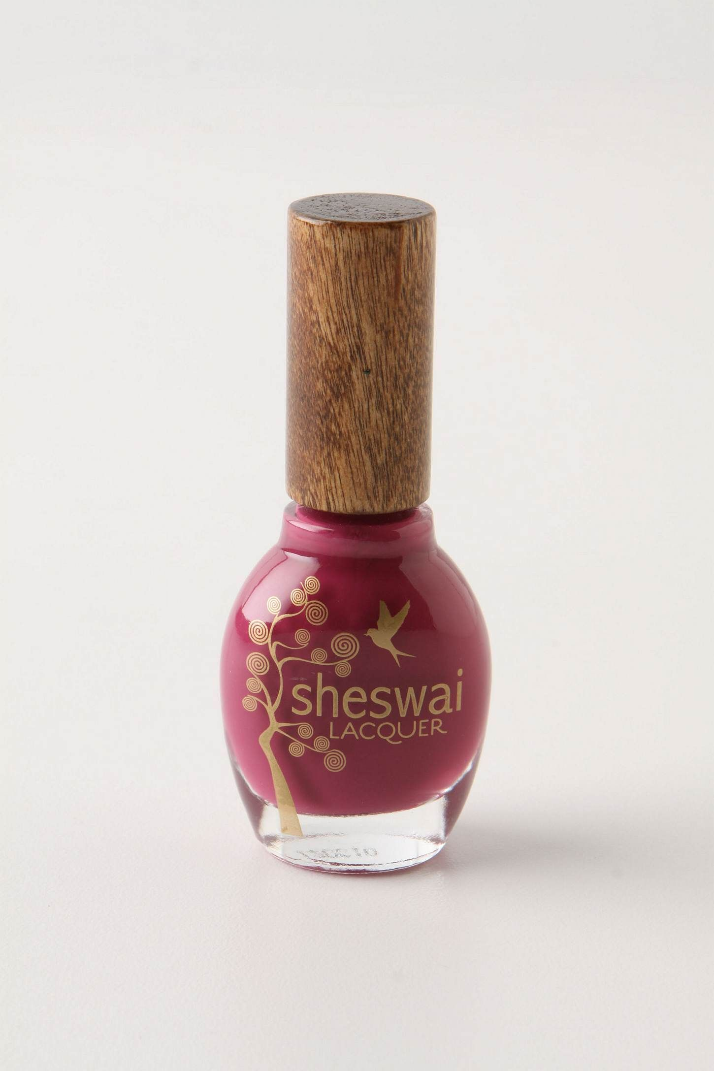 Eco-friendly nailpolish. Good for the earth and good for your nails ...