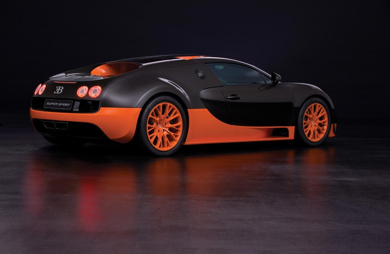High Quality Bugatti Veyron 16_4 Super Sport Rear Side View Great Pictures