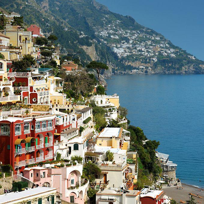 le sirenuse, heaven on the amalfi coast.    I would love to go there.