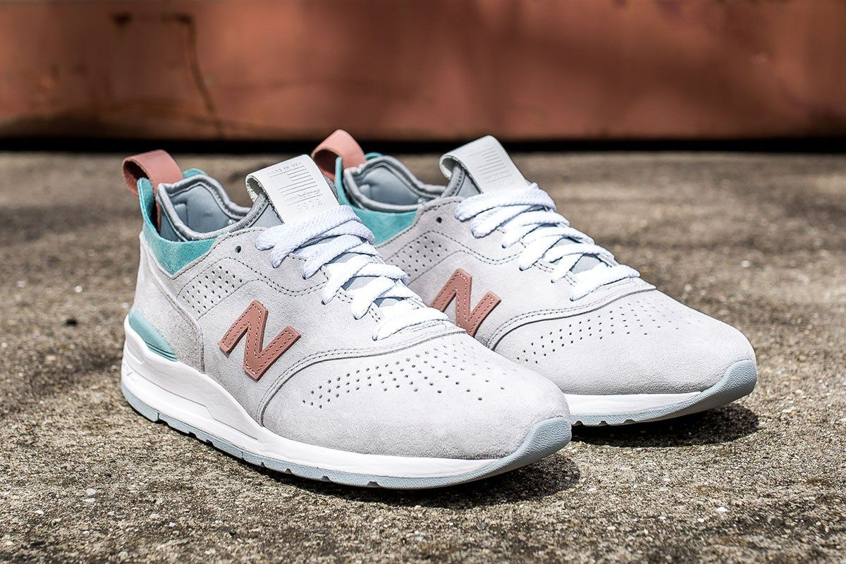 Preceder No lo hagas Sembrar  New Balance 997R in Peach & Teal for Summer - EU Kicks: Sneaker Magazine |  Sneakers, Sneaker magazine, Best sneakers