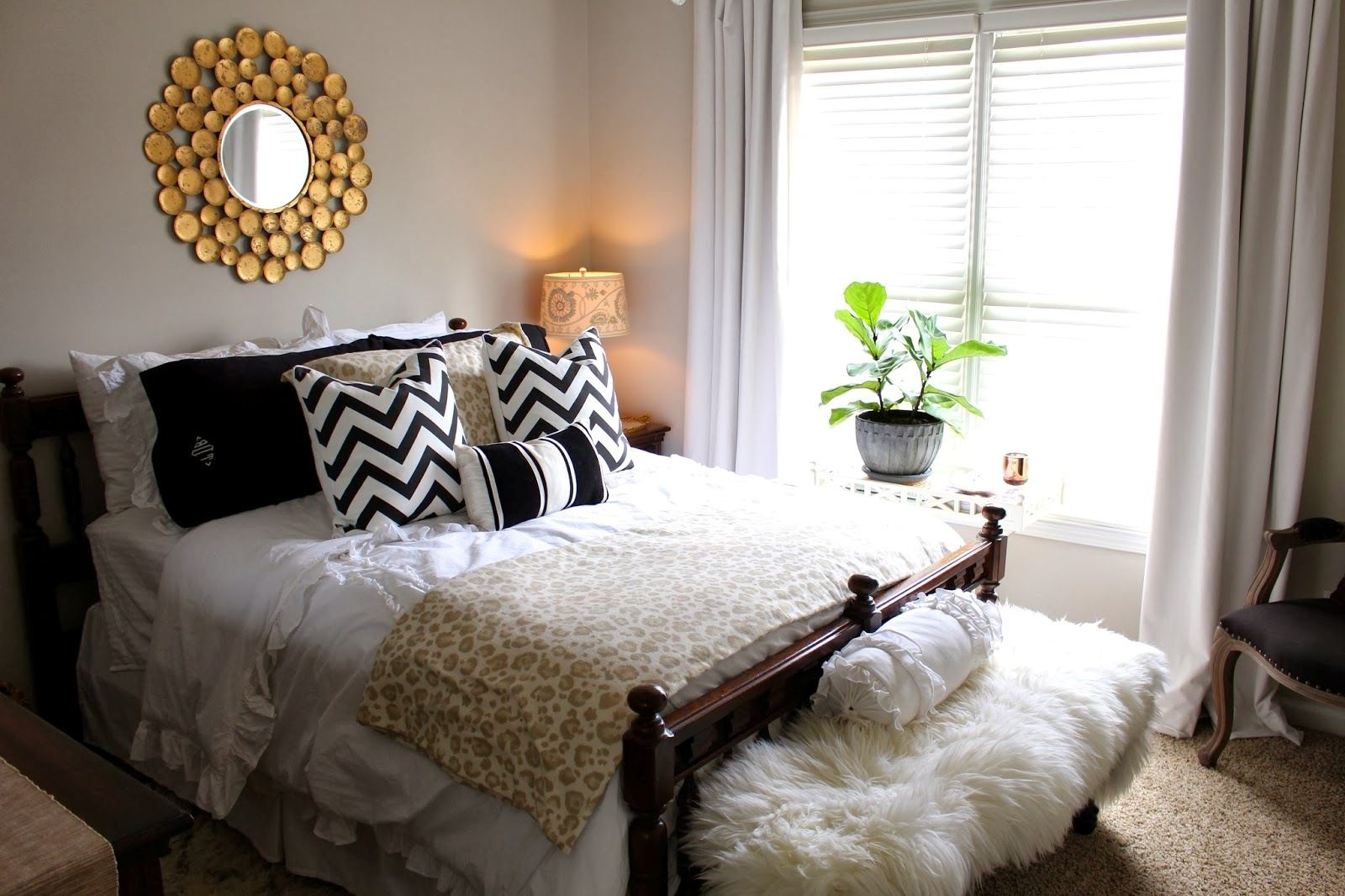 spare room ideas - Google Search | Guest room bed, Tiny ...