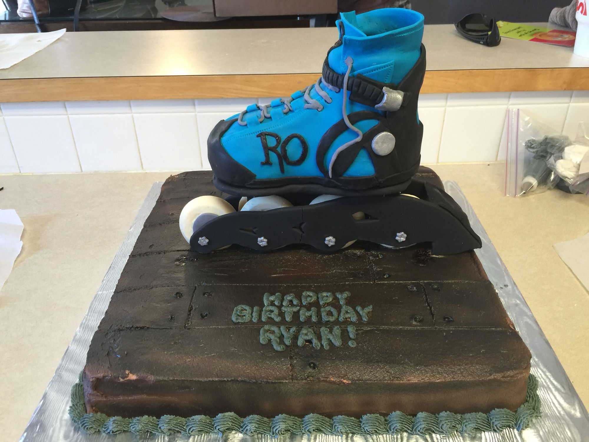 Rollerblade Cake For My 9 Year Old Themed Cakes Golf Bags Cake