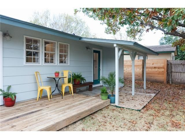 Terrific 4921 Old Castle Rd Austin Tx 78745 Mls Outside Find Home Interior And Landscaping Oversignezvosmurscom