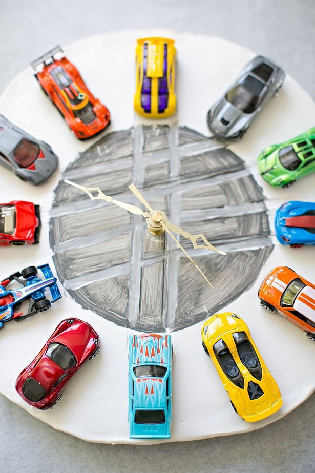 I thought this DIY CAR CLOCK MADE OUT OF CLAY was a great idea. Takes some time but can be worth the effort to spend some special time with your child!