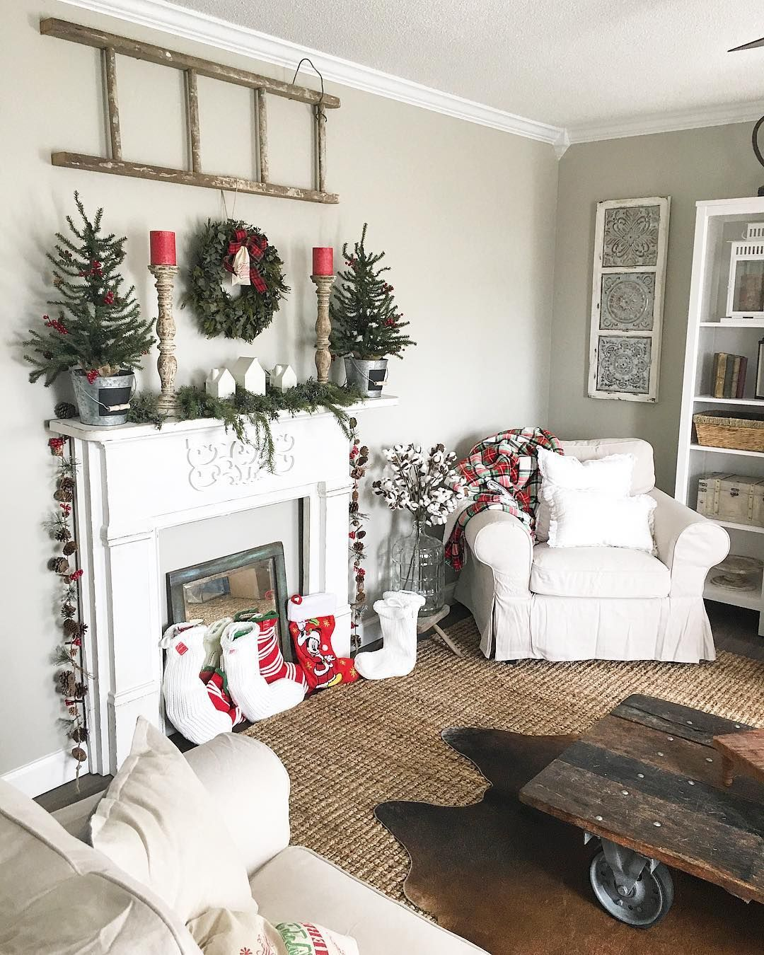 Adorable Christmas Décor Idea For Living Room Chris