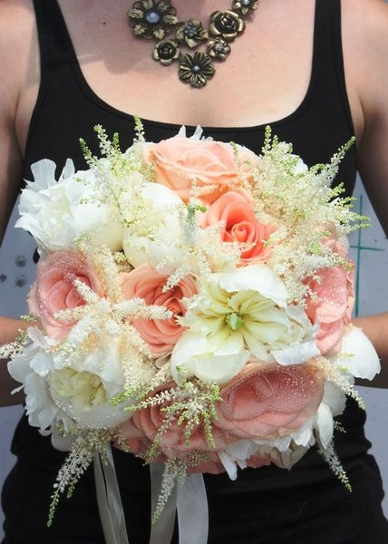 It's a peachy kind of love | Pink Twig Floral Boutique... perfection