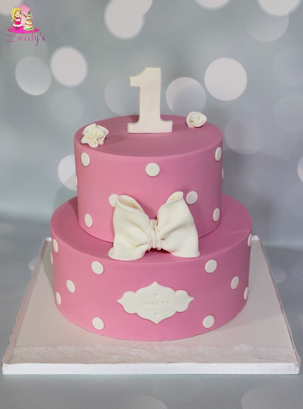 baby girl 1 year fondant cake pink baby girl fondant cake gateau anniversaire b b pi ce. Black Bedroom Furniture Sets. Home Design Ideas