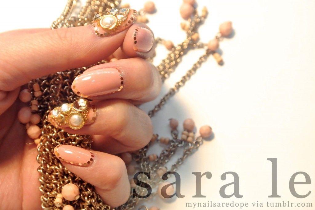 Pretty Nails with Gold Details | Cola de sirena y Sirenitas