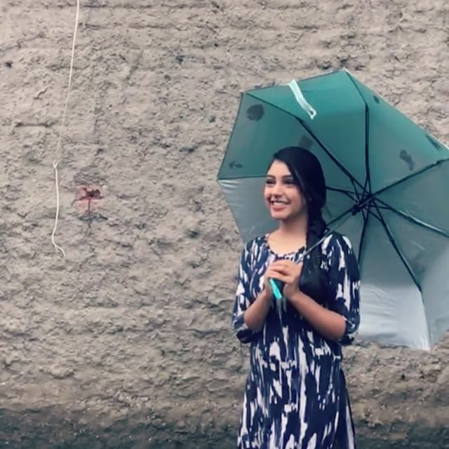 When life gives you rainy days, carry a cute umbrella and make slow motion videos! ☔️ hahahha thankyou @bombaythreads for this really cute umbrella  !! Love the patches on it #goodvibes#rainydays#loveyourself#staybeautiful#lovethissong#umbrella#patches#love #cuteumbrellas When life gives you rainy days, carry a cute umbrella and make slow motion videos! ☔️ hahahha thankyou @bombaythreads for this really cute umbrella  !! Love the patches on it #goodvibes#rainydays#loveyourself#staybeauti #cuteumbrellas