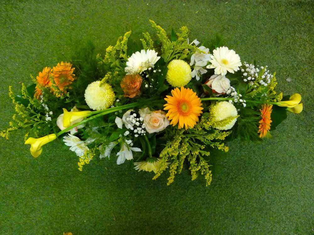 fleuriste sp cialis dans les gerbes et les couronnes pour le deuil et l 39 enterrement sur. Black Bedroom Furniture Sets. Home Design Ideas