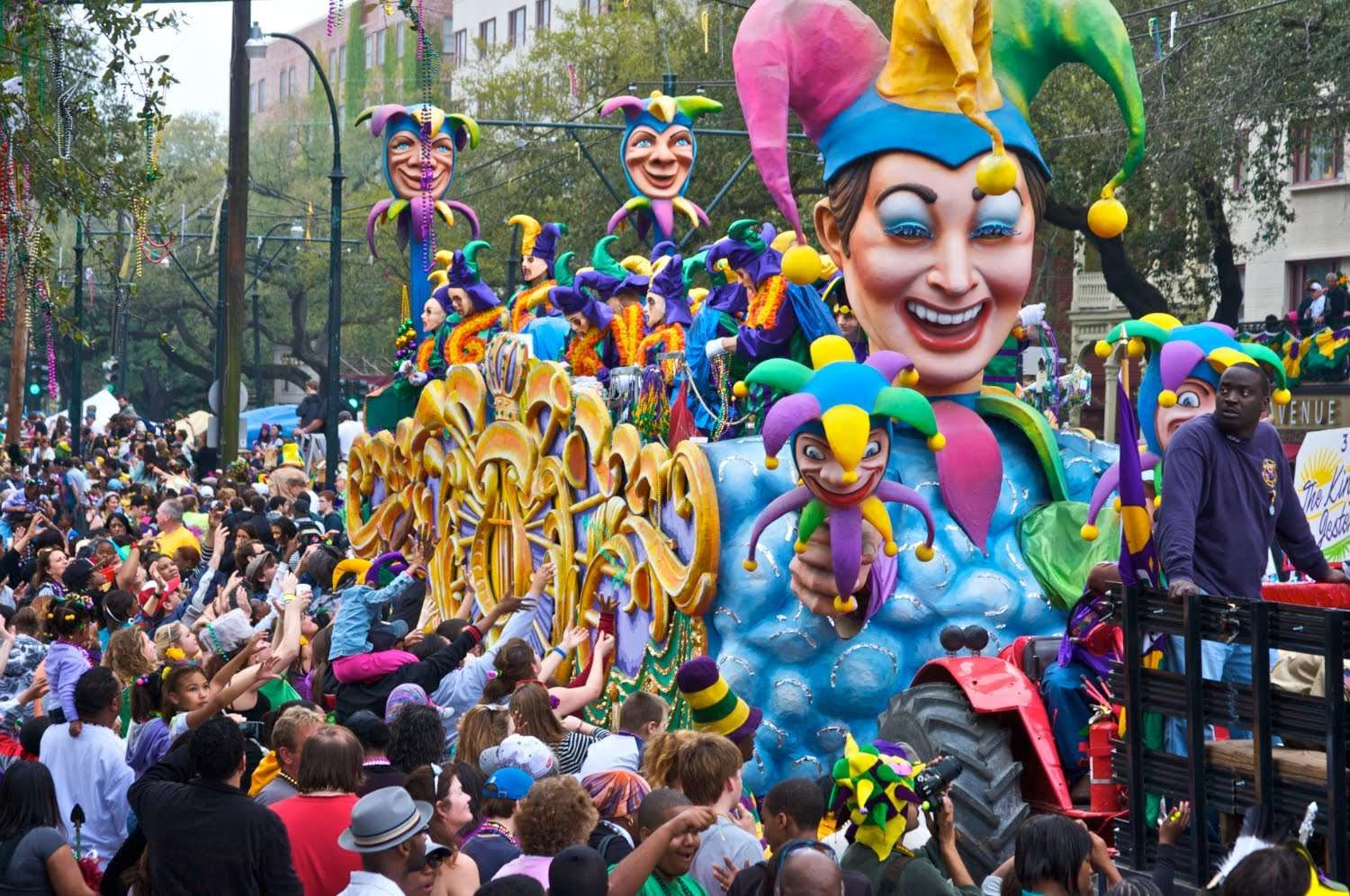 This picture shows a regular french mardi gras as you can for French shows