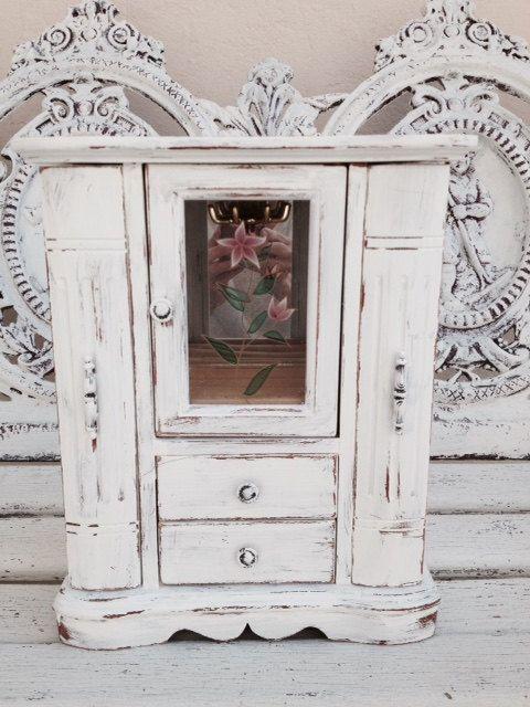 SHABBY CHIC JEWELRY Box Large White Jewelry by SouthamptonVintage