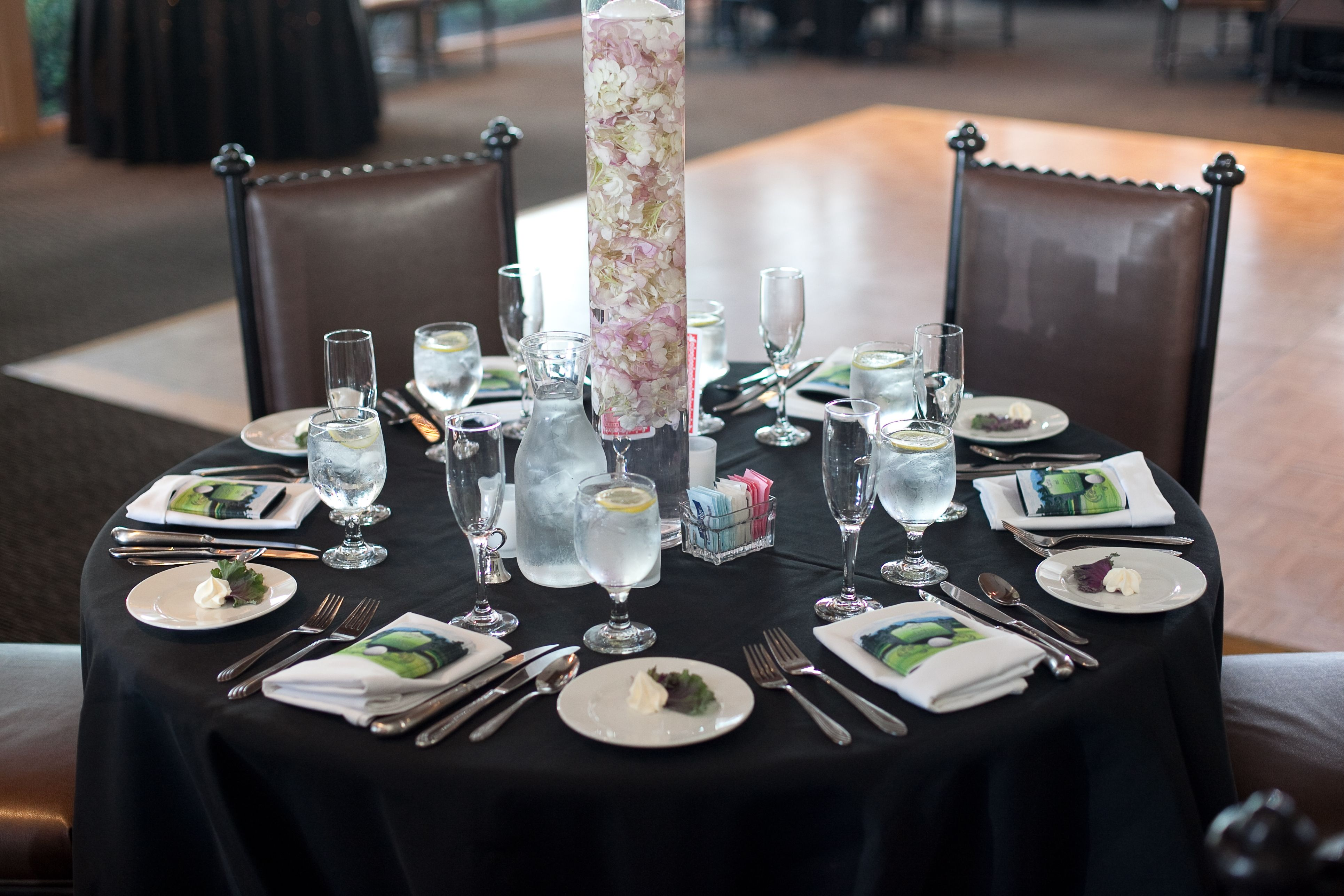 Table set up angel park 39 s weddings events pinterest for Table th visible