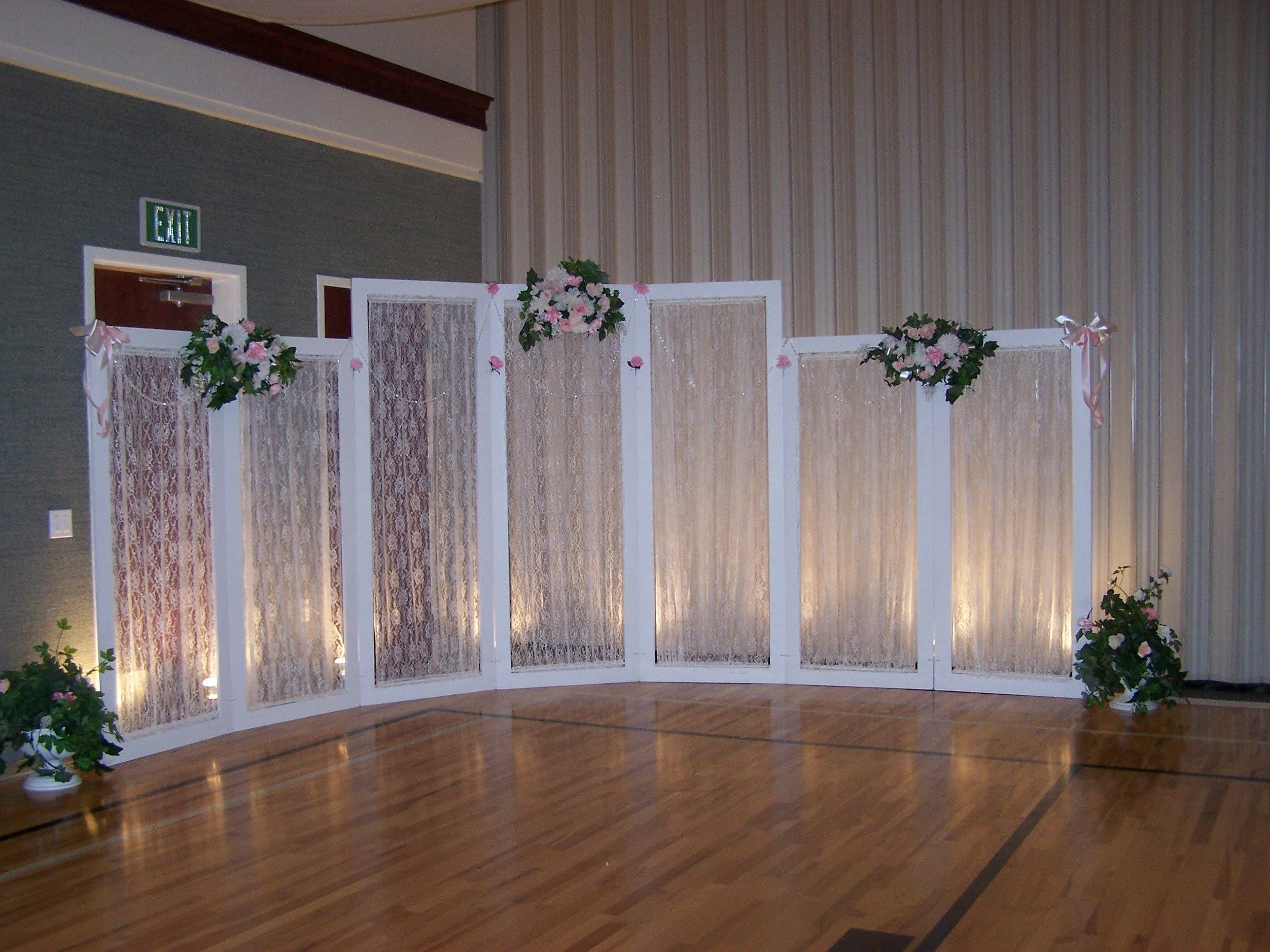 How to decorate a gym for a wedding reception google for Cheap elegant wedding decorations
