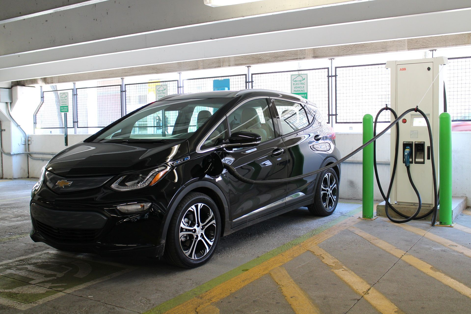 Fast Charging A 2017 Chevrolet Bolt Ev Electric Car Best