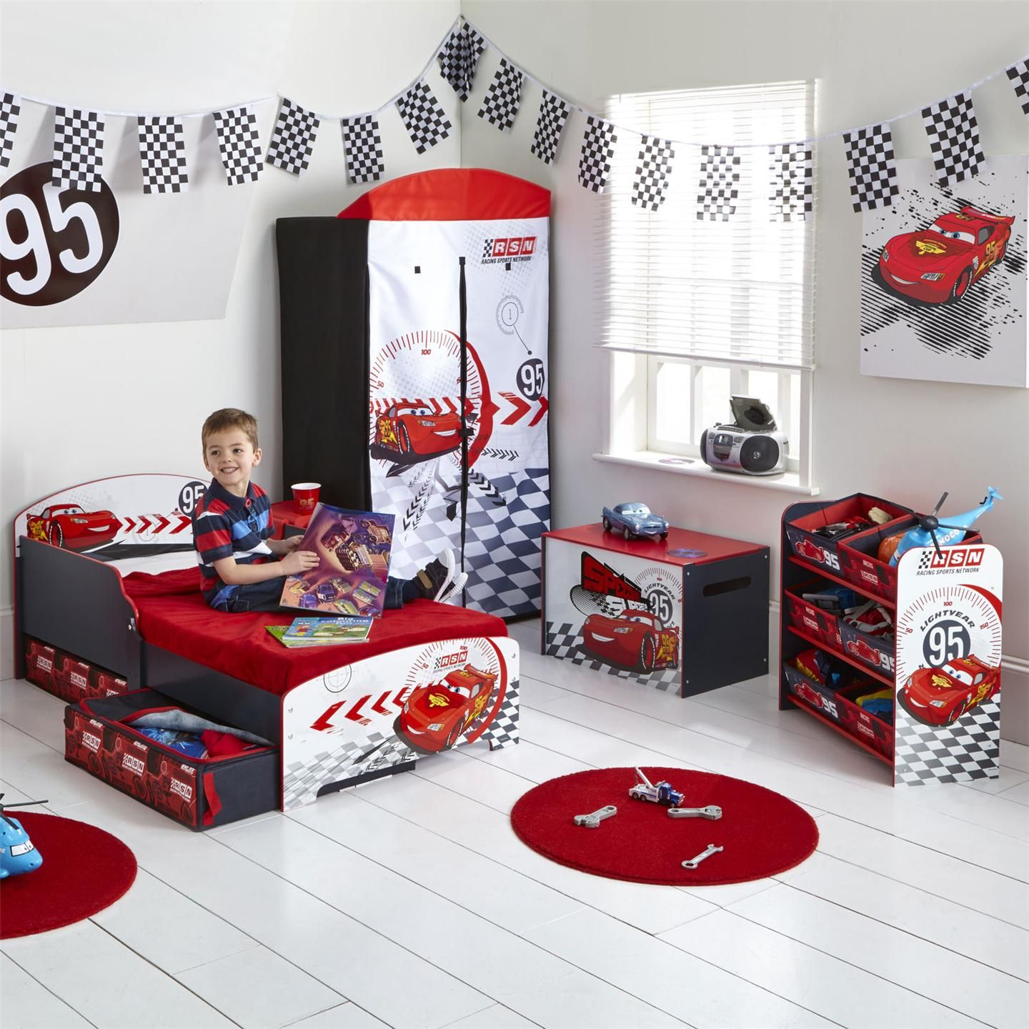 Cars toddler bed disney cars toddler bed with underbed for Disney car bedroom ideas