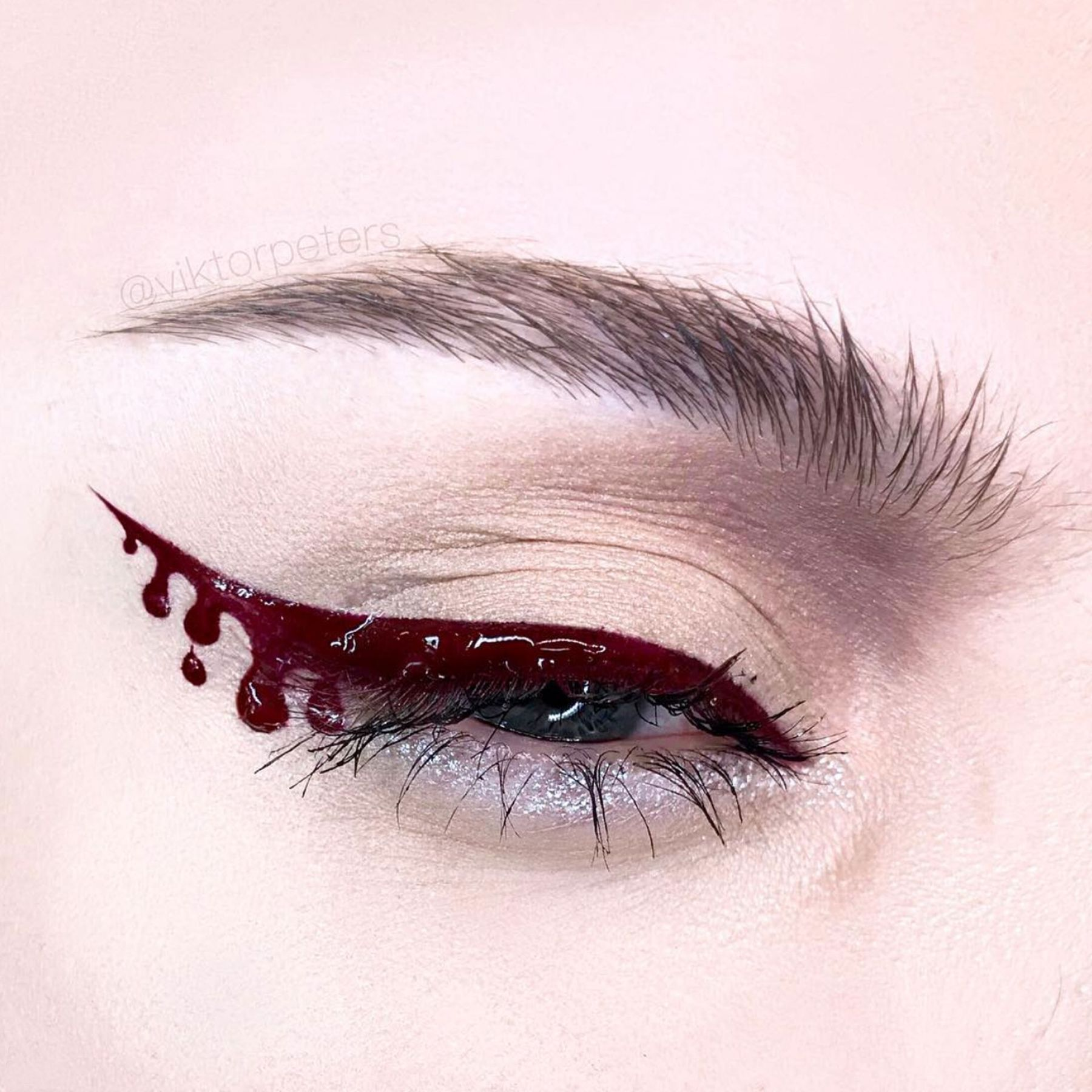 Halloween eye makeup designs that are bloody good �️