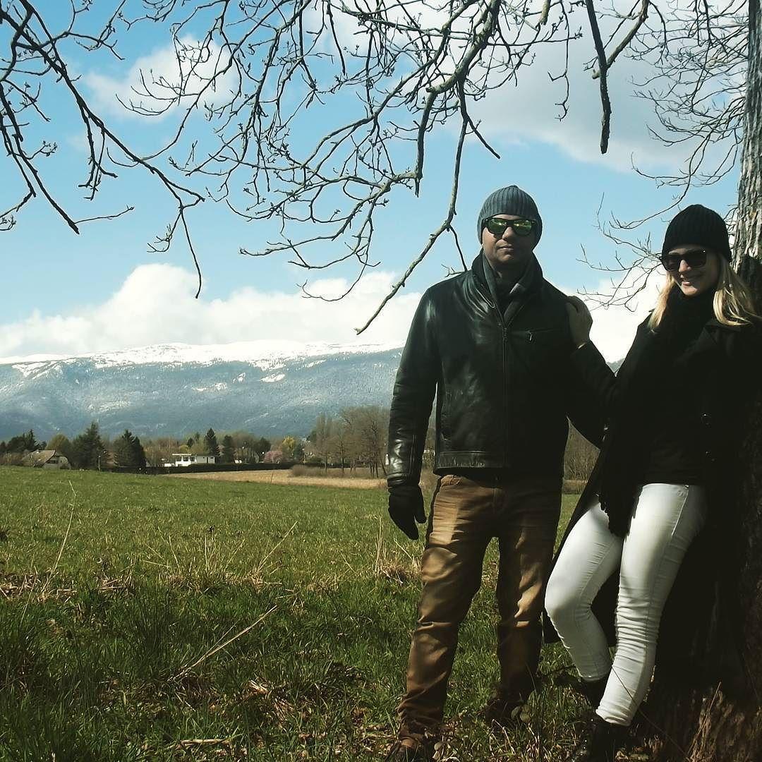 Trilhando montanhas! #eurotrip #neve #mochileiros #aventura #viajantesemdestino #viajantes by aventura_a_dois