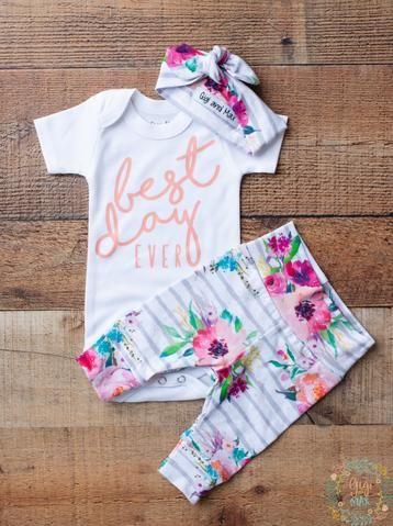Photo of Watercolor Floral BEST DAY Ever Coral Writing Newborn Outfit