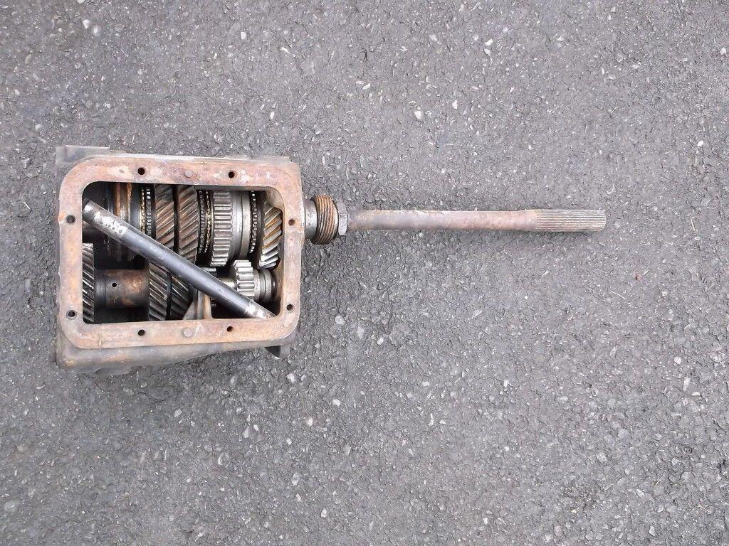 1964 1 2 1964 5 mustang dagenham 4 speed transmission case output shaft gear ebay
