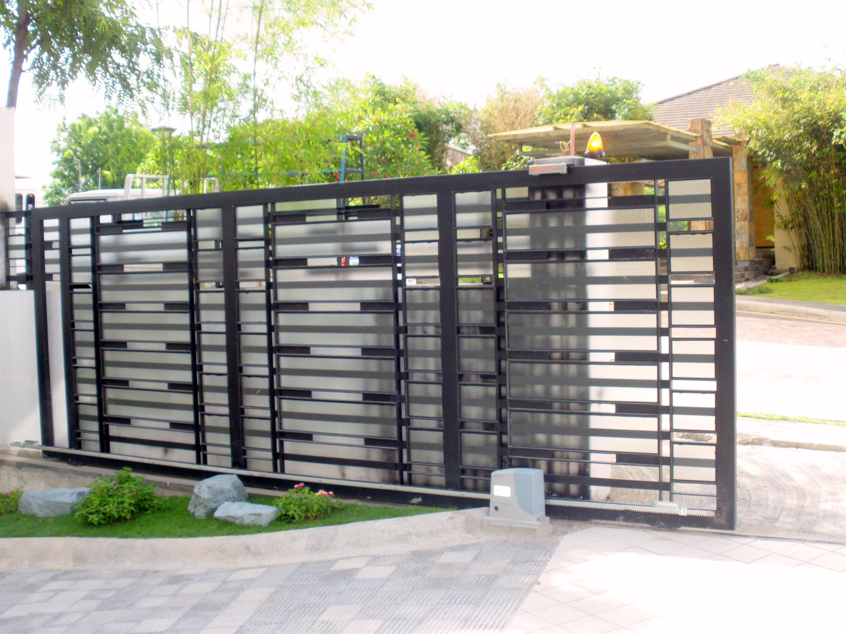 Nihva Technologies provides best Sliding Gate In India.A