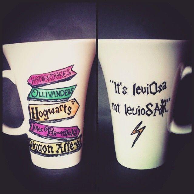 Harry Potter Mug #art #bestoftheday #breakfast #cup #creation #creativemug #deluto #color #fullcolor #nice #handmade #harrypotter #harrypottermug #pottermug #ilustración #leviosa #itsleviosanotleviosar #mug #porcelain #porcelainmug #paint #porcelainprint #shop #teamug #tea #coffeemug