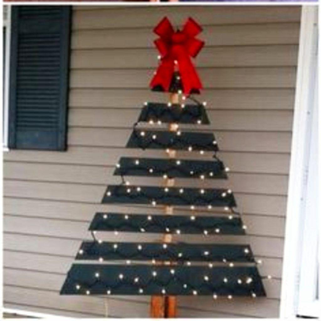 Diy Pallet Christmas Tree Ideas We Tried It Clever Diy Ideas Pallet Christmas Tree Christmas Decorations Diy Outdoor Wood Christmas Decorations