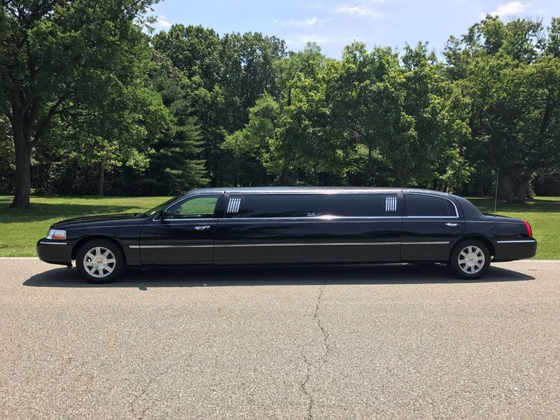 Pin by Malak Ayoub on Cars Limousine, Limousine rental