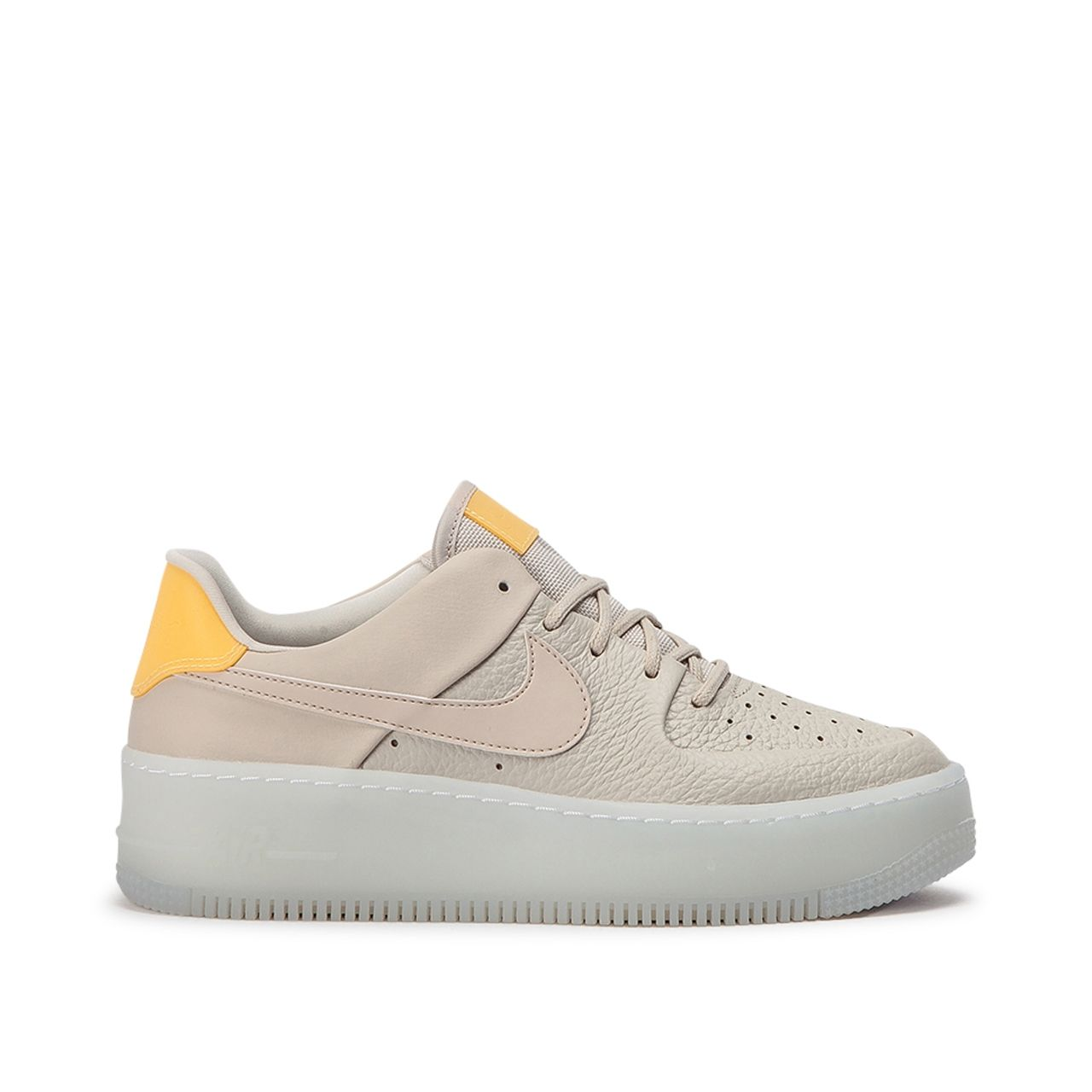 Nike WMNS Air Force 1 Sage Low LX (Beige Gelb) #sneaker