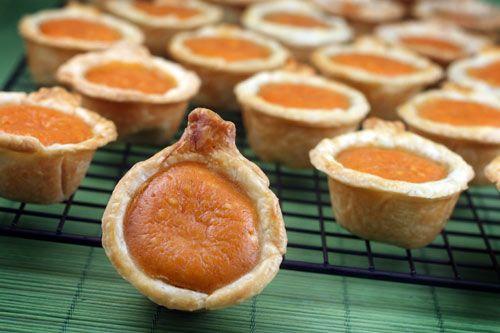 Mini pumpkin pumpkin pies  =)