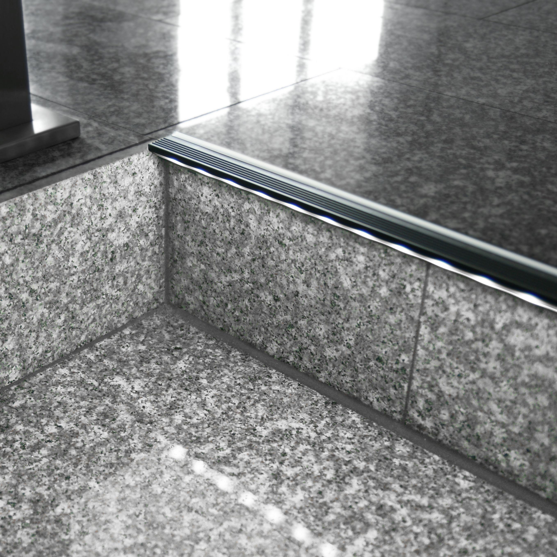 treppenkanten aluminiumprofil mit led stufenbeleuchtung, Badezimmer ideen