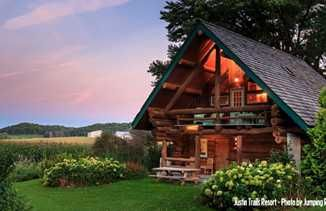 5 Wisconsin Cabins Perfect For Autumn Cabins In Wisconsin Wisconsin Travel Wisconsin Cabin Rentals