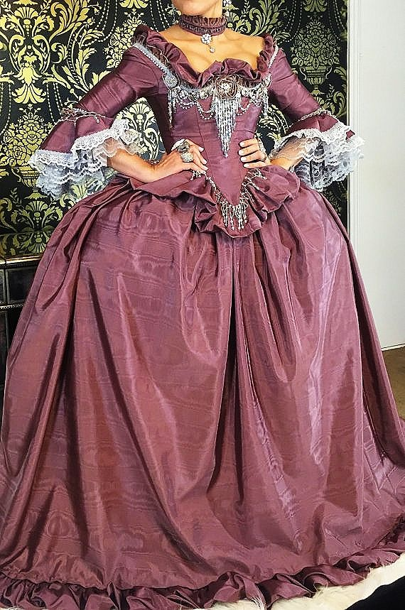 Pin de Stefanie Gross en historical dresses & Gowns | Pinterest