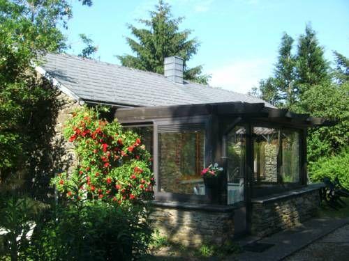 Holiday Cottage La Petite Maison In Six Planes Bievre Namur Ardennes South Belgium