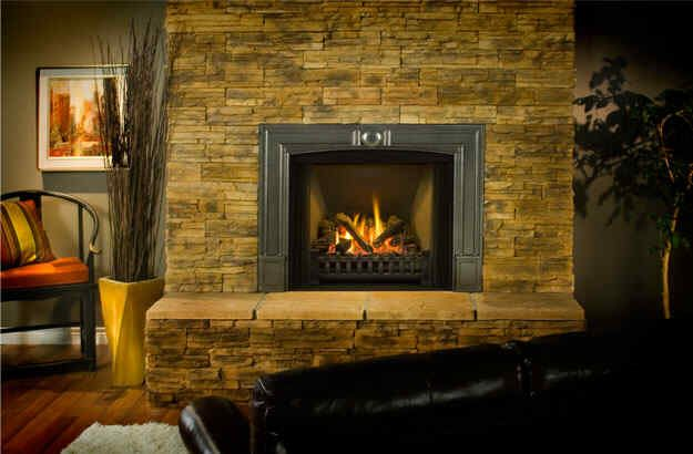I Like The Stone Around This Fireplace With Images Fireplace