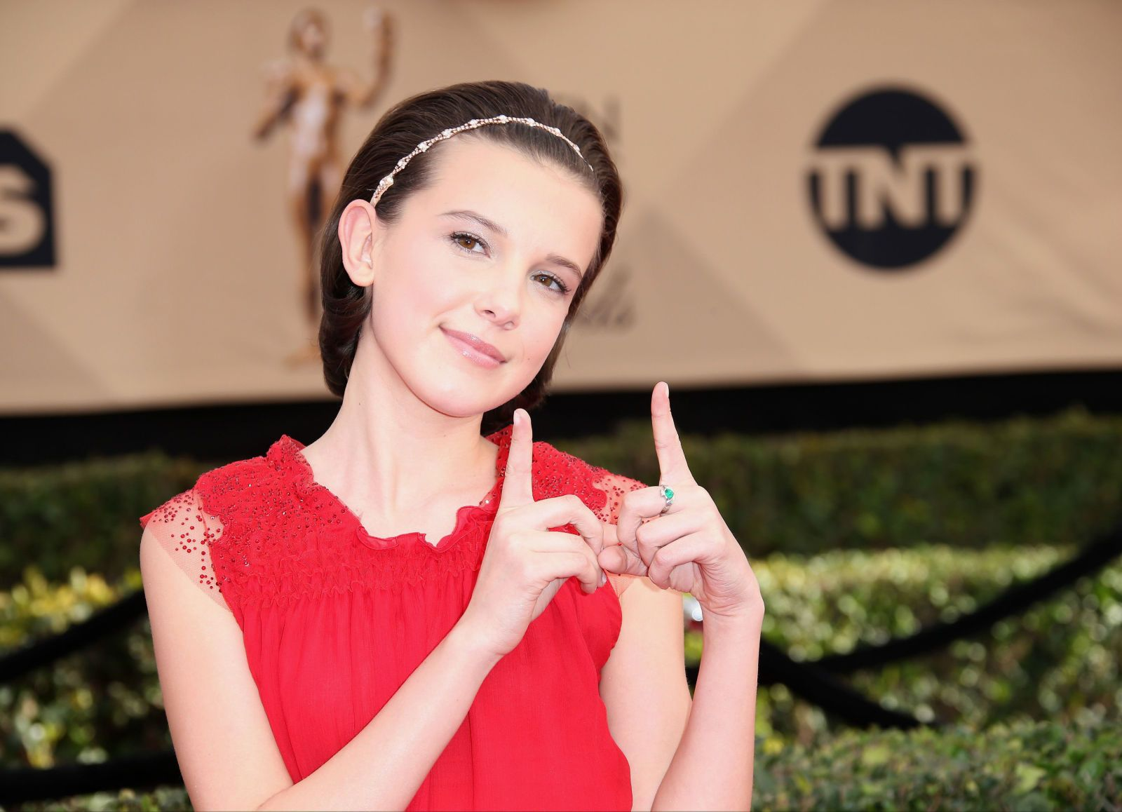 Millie Bobby Brown Signs With Modeling Agency Bobby Brown Millie Bobby Brown Millie