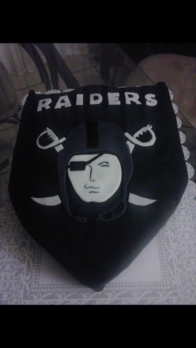Raider cake