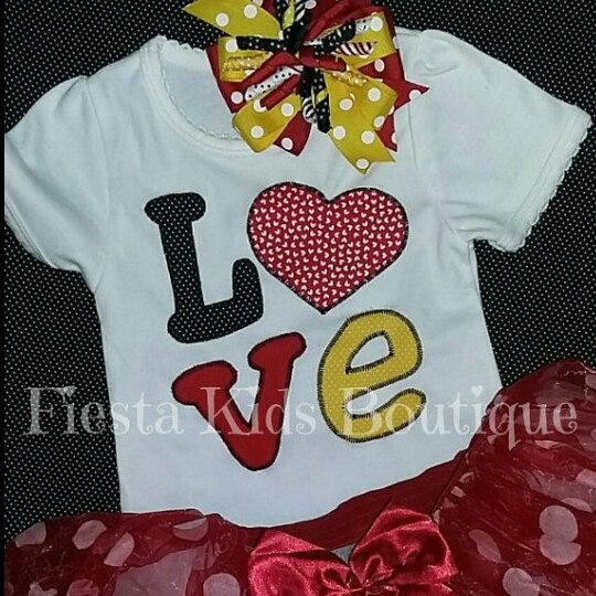NEW tutu outfits in my shop!! Adorable shirt with scalloped edge and cute L♡VE applique. Shirts can be made in any color combo. Follow FKB!! www.instagram.com/fiesta_kids_boutique www.facebook.com/FiestaKidsBoutique www.pinterest.com/FiestaKids
